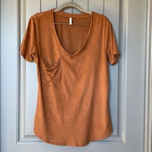 Suede pocket V T-shirt
